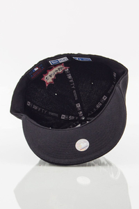 NEW ERA FULLCAP FAMOUS BLACK